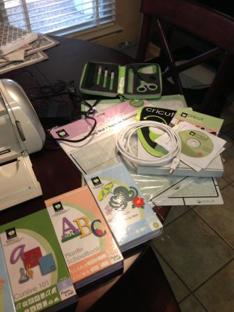 Cricut Expression Bundle - $300 (Shavano Park)