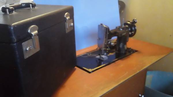 SEWING MACHINES AND SERGERS FOR SALE - $1 (78013)