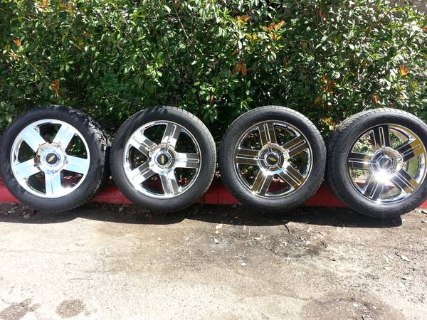 22 CHEVY TEXAS EDITION WHEELS (Like New) - $1600 (ne san antonio)