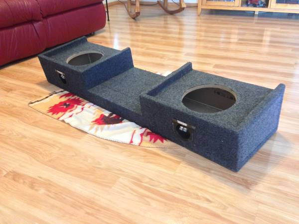 03 Chevy Silverado Subwoofer Box for Sale - $100 (stone oak)