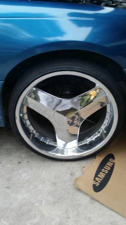 24 INCH LIMITED BLADES,  5 LUG UNIVERSAL WITH LEXANI TIRES - $1200 (obo anywhere)