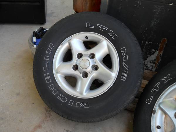 DODGE RAM RIMS AND TIRES 16 - $40 (CONVERSE TEXAS)