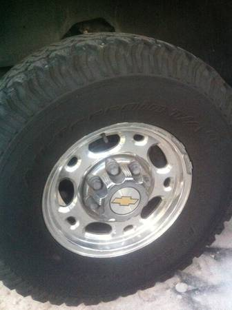 8 lug chevy factory chrome rims with BFG All Terrain Tires - $750 (San Antonio)