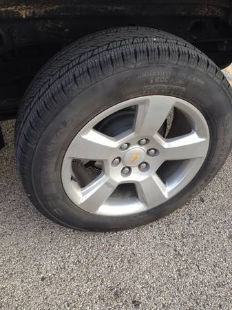 2014 Chevy Silverado 20 rims and tires - $1500 (Floresville)