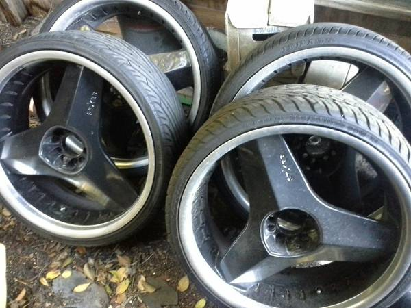 22 INCH RIMS BLACK STAR BLADES - $850 (san antonio)