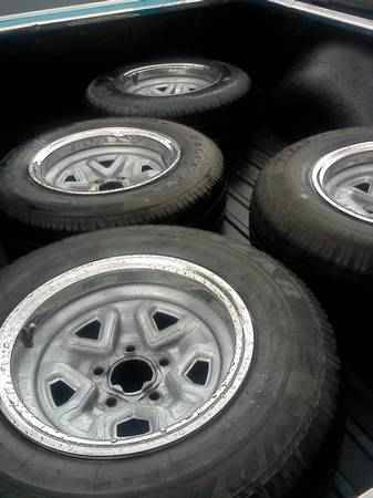 15 INCH CHEVY (5 LUG) CAR OR S10 RIMS FOR SALE OR TRADE $150 (SOUTH SA)