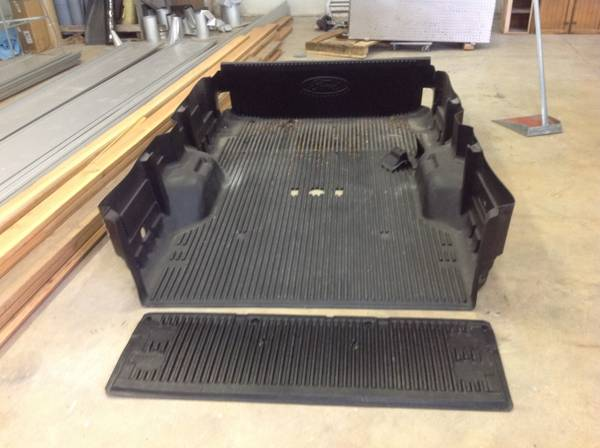 2011 ford f350 bed liner - $50