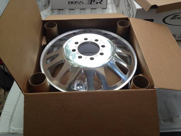 20 Dually wheels - $1400 (San Antonio)