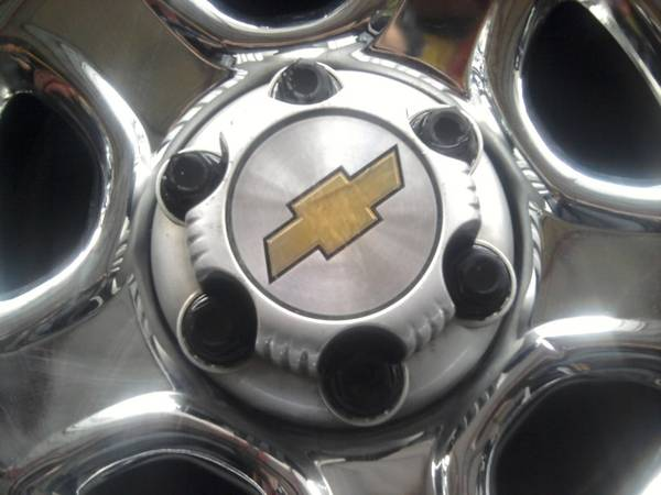 4 chevrolet rims 1500 fits gmc size 16 x 7 great condition - $150 (1206 west avenue CDTIRE5)