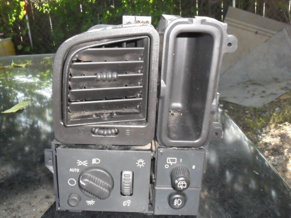 02-04 chevy tahoe light switchs