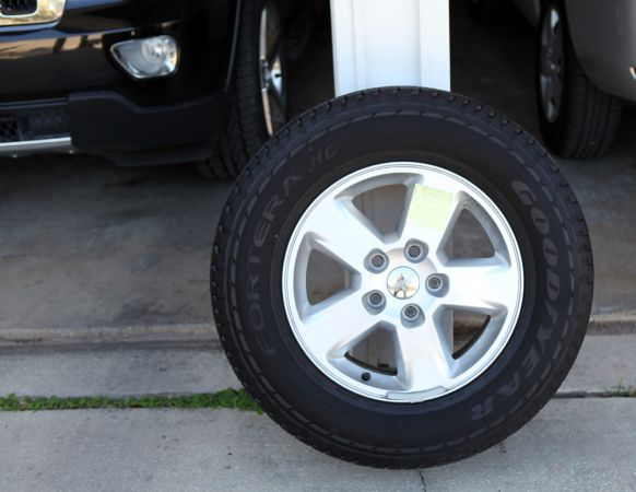 Rims Tires Jeep Grand Cherokee 2012 - $795 (San Antonio)