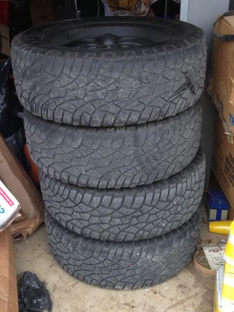 Chevy 6 lug 20 inch rims and tires - $475 (South)