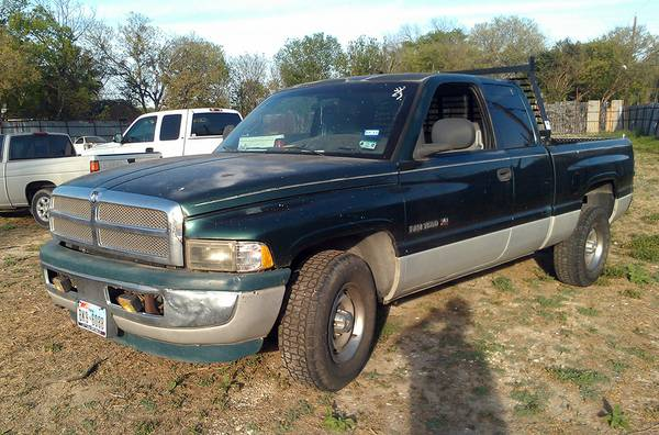 Parting out 1998 Dodge Ram 1500 - $1 (Somerset rd)