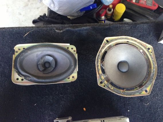 98-07 Gmc Sierra Factory Speakers - $25 (NorthWest)