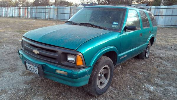 Parting out 1996 Chevy S10 Blazer - $1 (Somerset rd)