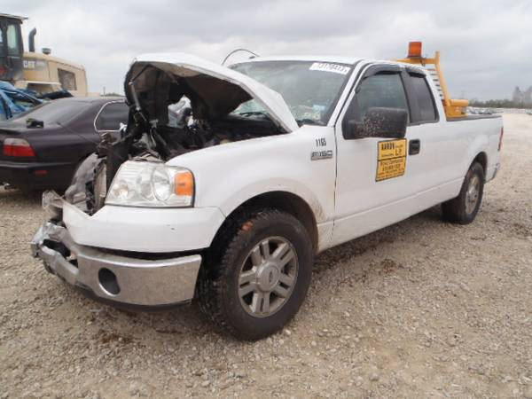 Parting out 2007 Ford F150 - $1 (Somerset rd)