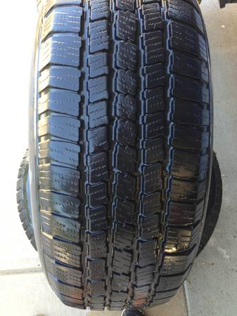 28 radial street tires with 17 progressive rims great condition - $400 (la vernia)