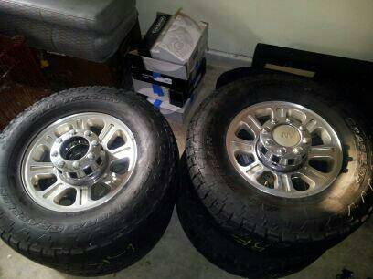 King Ranch Rims Tires - $400 (San Antonio)
