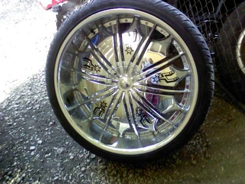 26 inch rims and tires - $1400 (East 35 and New Braunfels Ave SA)