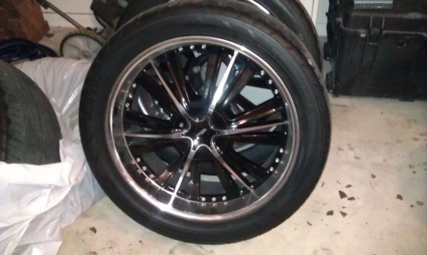 22 inch rims black and chrome rims - $600 (NW San Antonio)