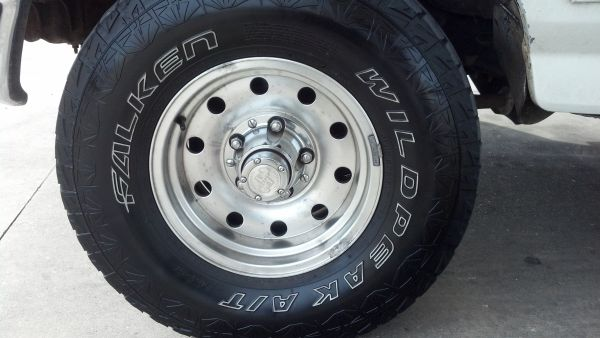 Used Falken Wild Peak Tires 31x10.5x15 - $400 (San Antonio)