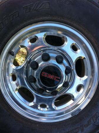 Chevy or gmc 8 lug rims  - $300 (Floresville )