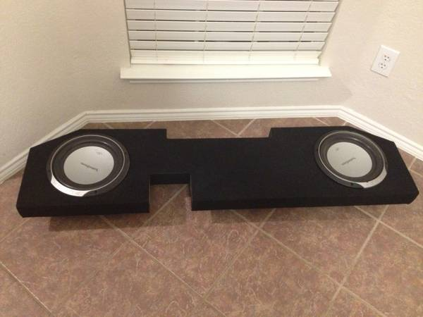 Dodge ram sub box and punch subs - $200 (Schertz)