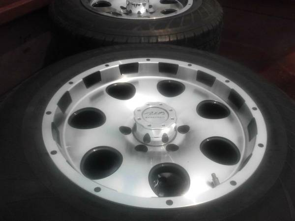 2008 Ford F150  up 17 inch rims  tires (210-459-5783)