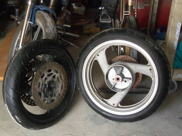 98 yamaha r1 rims and tires, yoshimura exhaust (Downtown San Antonio)