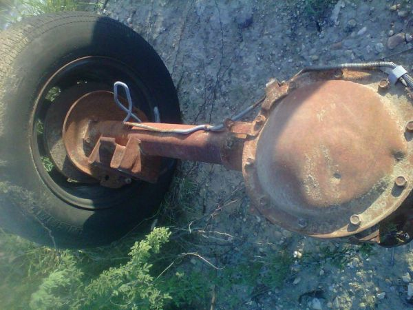 Posi Rear Ends, C10 chevy parts - $1 (Eagle Pass, TX)