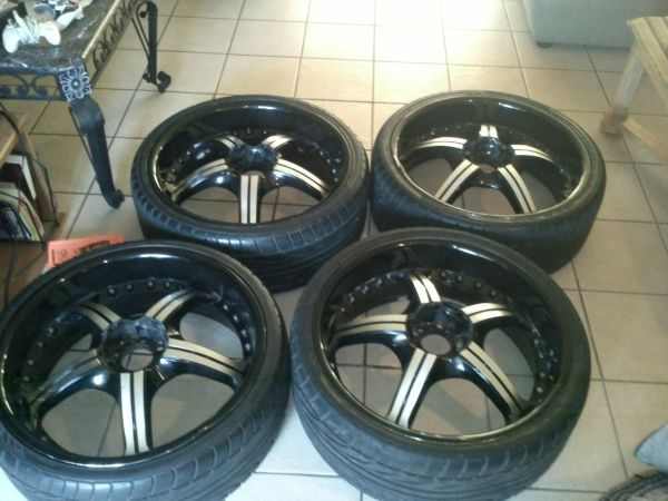 22 INCH RIMS BLACK  CHROME - $675 (NORHEAST SA)