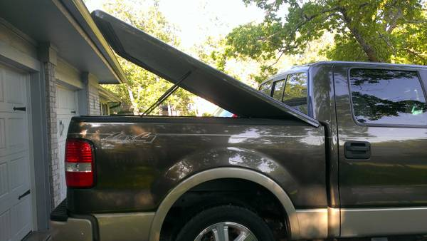 2004-2008 F-150 Snugtop Tonneau Cover and Bedrug Carpet - $850 (Austin)