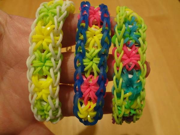 HANDMADE RUBBERBAND LOOM BRACELETS - Girls Novelty Jewelry Party Gifts -   x0024 2  Ingram Mall Area