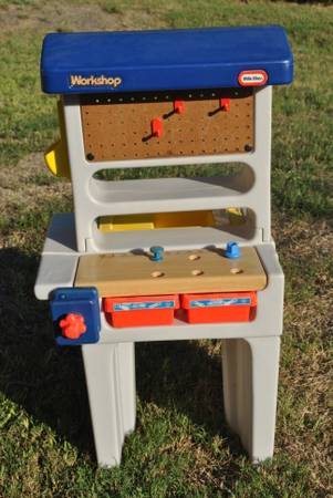 Vintage Little Tikes workshop (1990s) - $25 (NE -78109 - approx 6 miles from Randolph AFB)