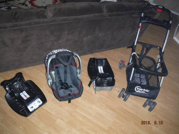 Baby Trend Carseat, 2 Bases, Snap n Go Stroller, Baby Boy, Baby Girl - $150 (281 1604)