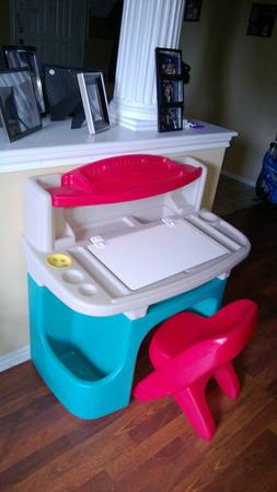 CHILDS STEP 2 ART TABLE - $50 (bandera 1604 area)