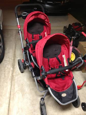 Kolcraft double contour stroller with universal carseat adapter - $85 (Boerne,tx)