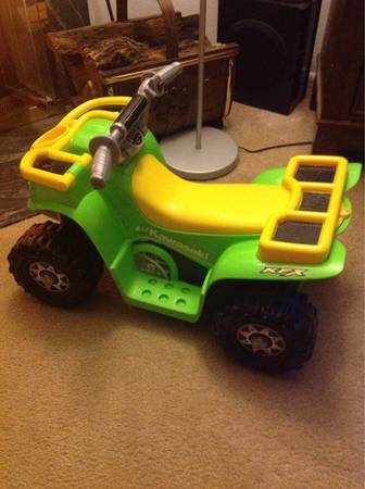 Lil Kawasaki Power Wheels battery Operated Truck - $20 (Prue Rd)