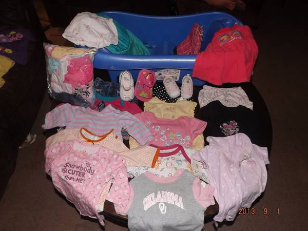 Baby Girl Winter Clothes 3-6 months - $65 (Hondo)