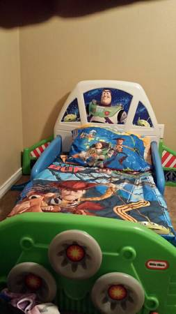 buzz lightyear toddler bed   2 comforter sets -   x0024 1  central