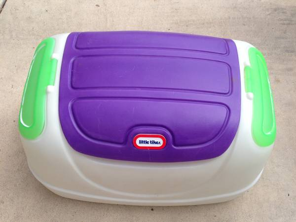 Little Tikes toy box - $45 (Sea World)