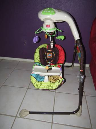 Baby Swing Non-Smoking House - $50 (Crossroads Mall)