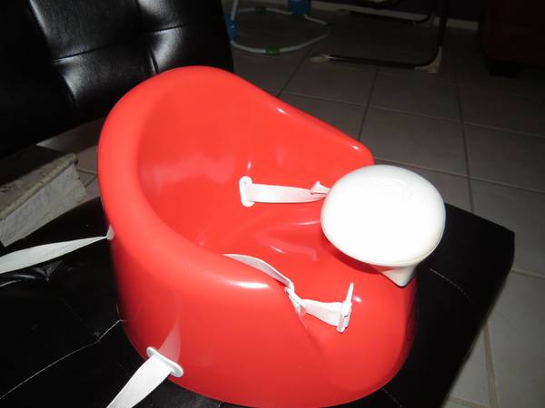 Bumbo BebePod Chair w Tray Non-Smoking Home - $20 (crossroads mall)
