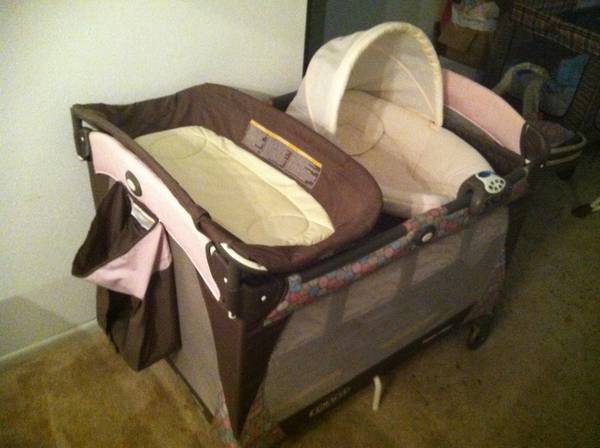 Baby girl graco set - stroller, car seat w base, packinplay, swing  - $250 (Medical center)