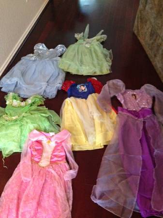 Disney Store Princess Costumes Perfect for Halloween - $15 (Helotes)