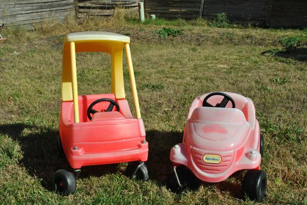 Little Tikes Cozy Coupe Little Tikes vintage car - $25 (Converse)