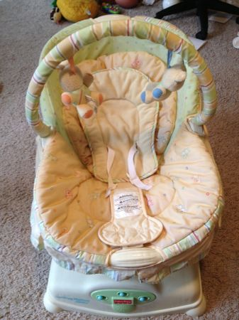Fisher Price Soothing Motions Glider  - $35 (by nacogodochesoconner )