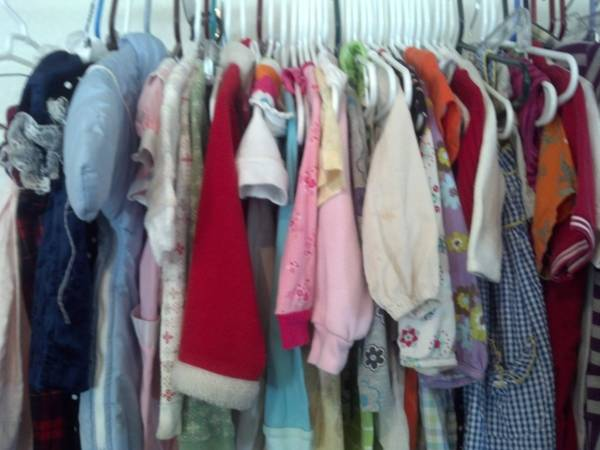 Kids Clothes - $1 (281 North  Bulverde Rd)