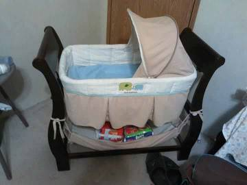 pottery barn kids bassinet - $150 (san Antonio )