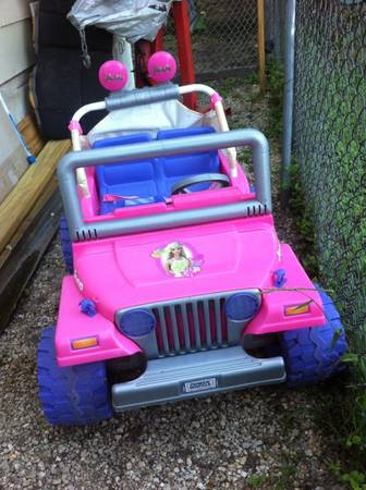 Barbie jeep pink and purple - $60 (roosevelt 410)